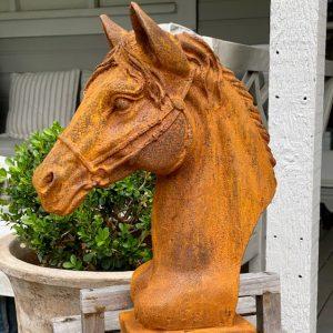 Sculptures & Garden Decor